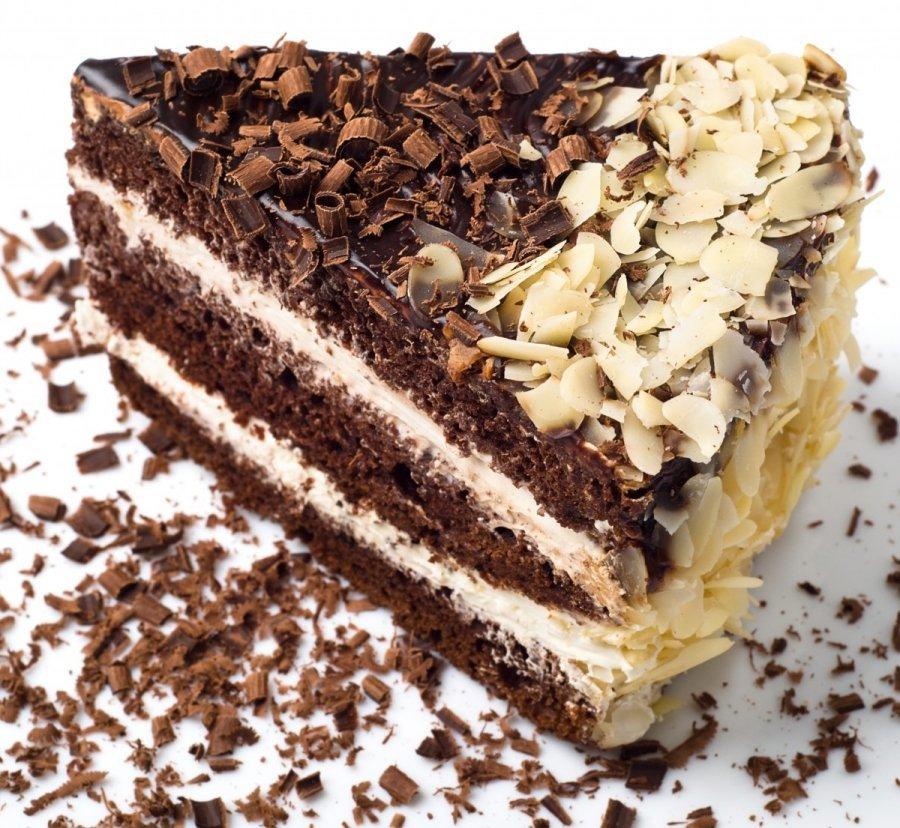 Gyönyörű dekoráció a tortán