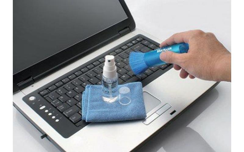 Dizüstü bilgisayarınızı kendiniz temizlemek için neye ihtiyaç var?