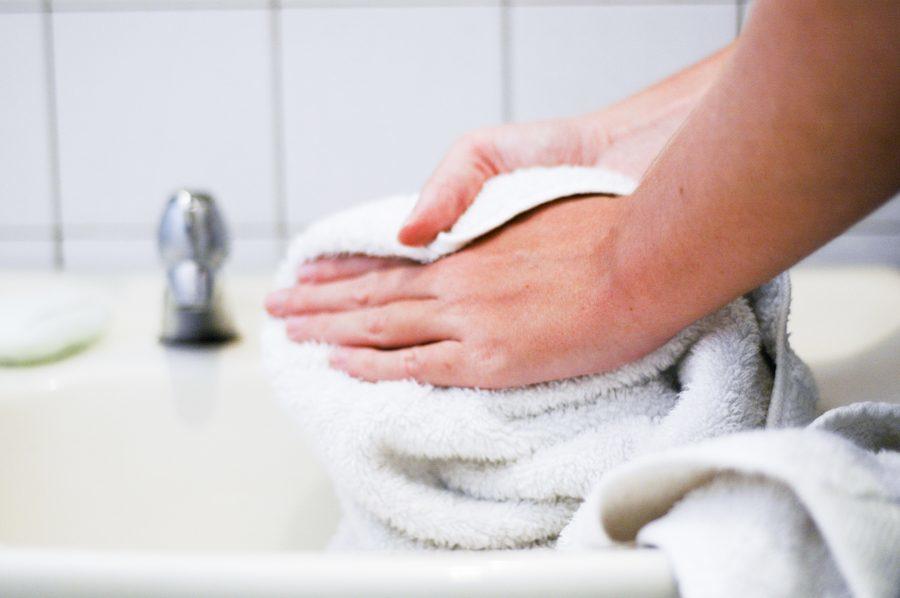 Bagaimana cara menggosok anak dengan cuka pada suhu tinggi, kompres dan lotion apa yang harus dimasukkan?