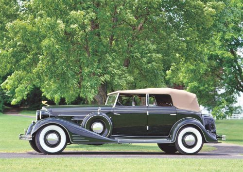small resolution of not to be outdone by its contemporaries who were copying the 1927 1932 look of cadillac in 1933 earl and his design staff raised the bar with handsome