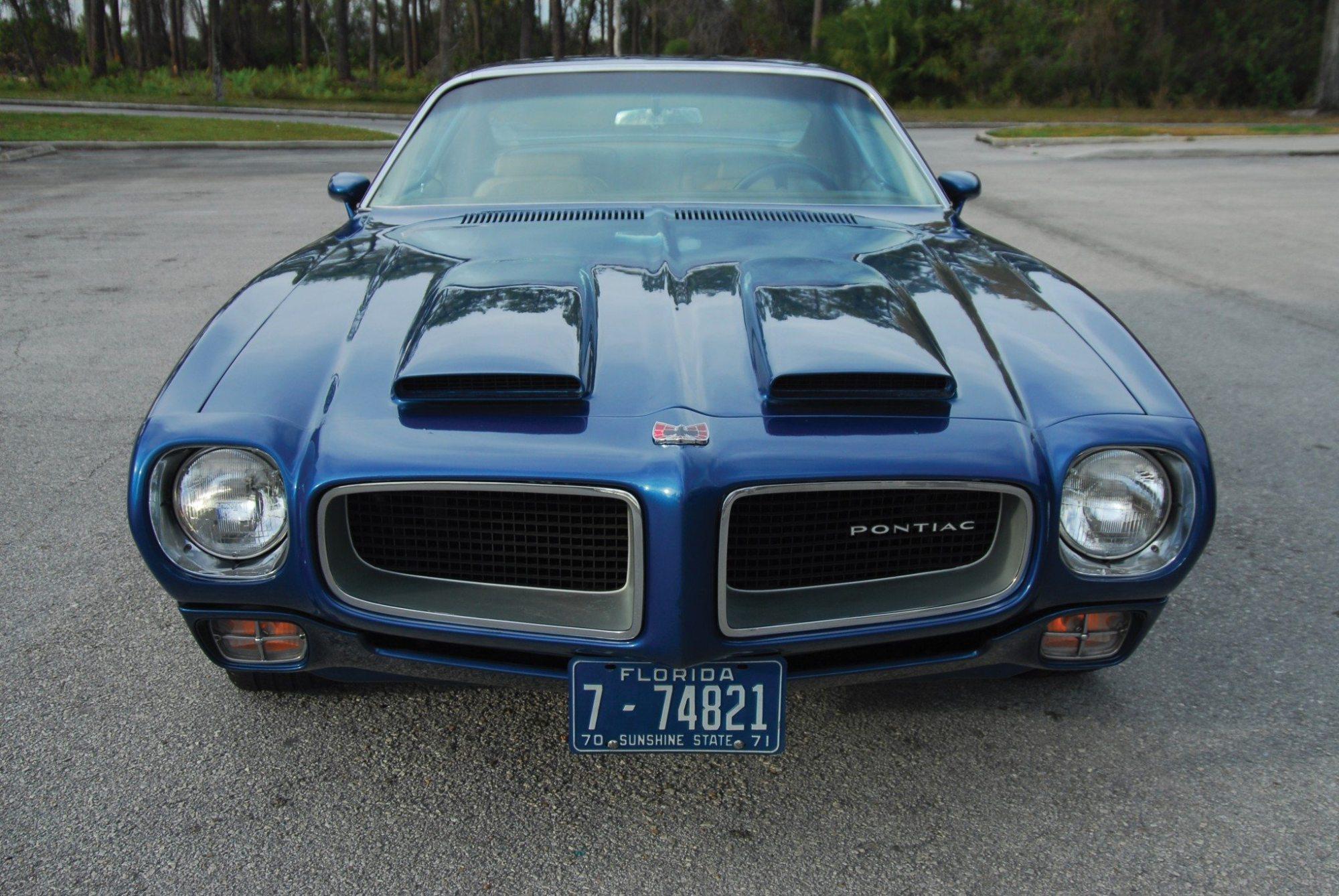 hight resolution of 1970 pontiac firebird formula 400 front and hood