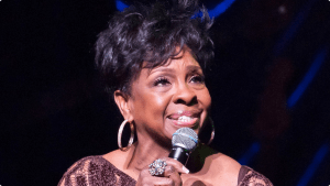 110113-shows-sta-performers-gladys-knight-performs