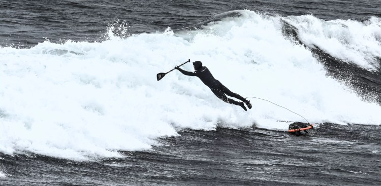 Man falling of paddle board will learn to do better by analyzing his experience.