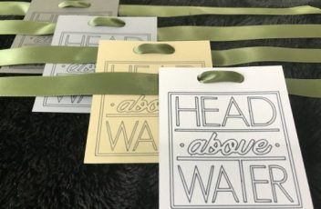 head above water paddles gift tag