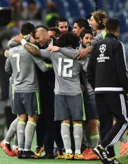 Group hugs with Zizou