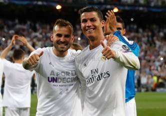Thumbs up from Jese and Cris