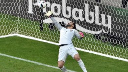 Portugal's goalkeeper Rui Patricio concedes a goal during the Euro 2016 group F football match between Hungary and Portugal at the Parc Olympique Lyonnais stadium in Decines-Charpieu, near Lyon, on June 22, 2016. / AFP / JEAN-PHILIPPE KSIAZEK (Photo credit should read JEAN-PHILIPPE KSIAZEK/AFP/Getty Images)