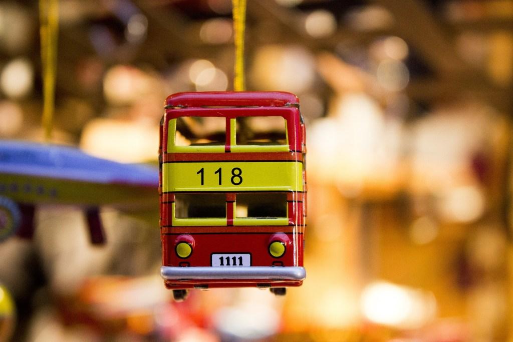 toy-car-431356_1920