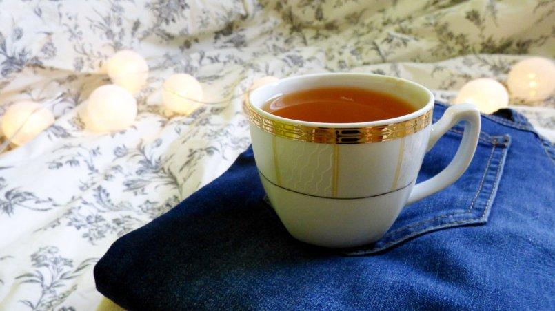 herbata z cytryną, jeansy i cotton balls - wyzwanie na Instagramie