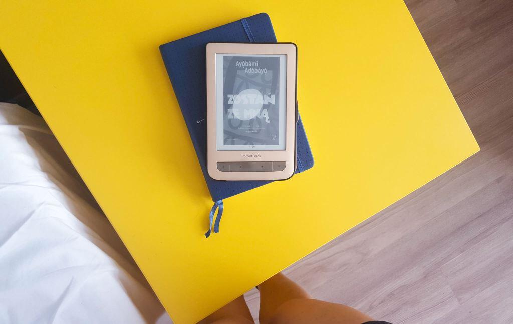 książki na wakacje - zostań ze mną - A. Adebayo