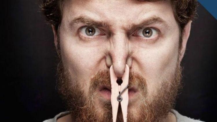Проявлением какого заболевания может быть неприятный запах тела