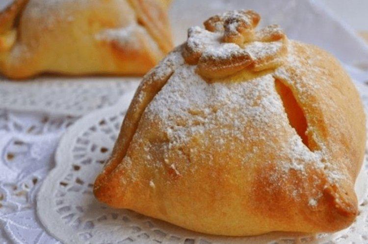Хрустящая творожная коморка для печеного яблока: здоровый рецепт вкусного десерта