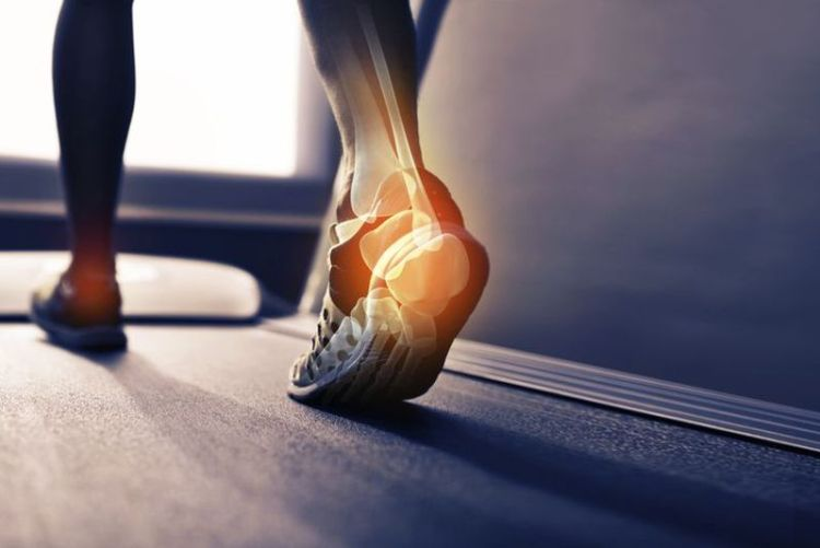 Острая боль в пятке как сигнал воспаления связок: что о вашем здоровье могут рассказать ноги