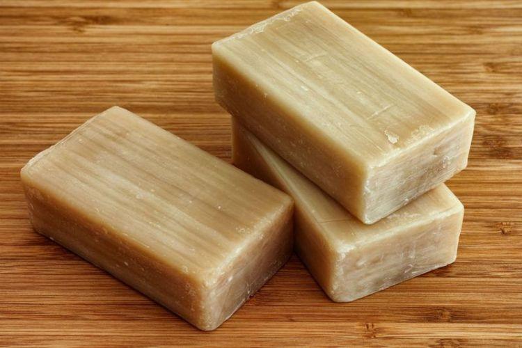 Простое хозяйственное мыло: идеальное соотношение цены и непростых целебных качеств