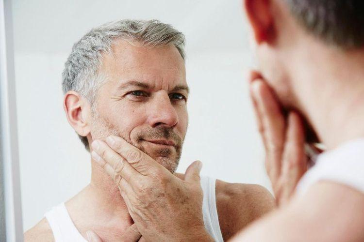 Плохая новость для седеющих мужчин: количество седых волос может быть признаком развития сердечно-сосудистых заболеваний