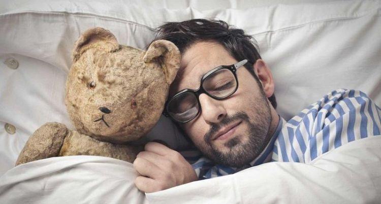 Причины пробуждения ночью в одно и то же время: сигналы, которые нельзя игнорировать