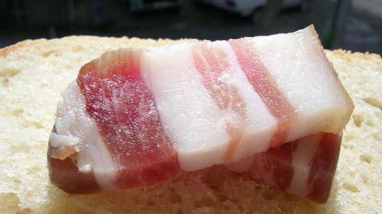 Что бы ни случилось - ешьте сало: 5 полезных свойств любимого миллионами продукта