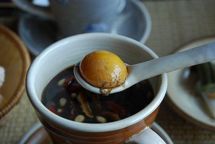 Когда с желтком и маслом вкуснее: 5 удивительных чайных рецептов с разных уголков мира