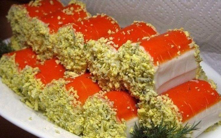 Крабовые роллы: простое и красивое блюдо под Новый год
