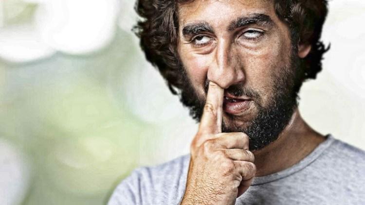 Поковыряться в носу и укрепить иммунитет: ученые выяснили, что кушать сопли полезно для здоровья