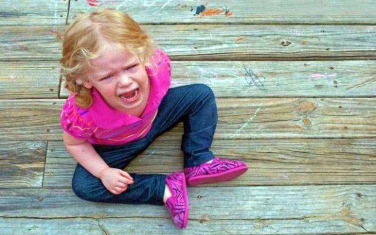 Надежный метод быстро угомонить детскую истерику: поможет всего лишь один вопрос