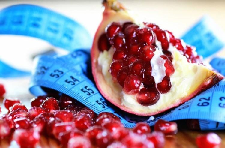 Как гранат помогает похудеть: полезные свойства «королевского» фрукта
