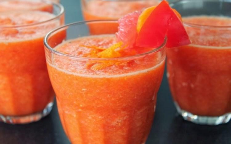 Из грейпфрута легко приготовить напиток, который быстро ликвидирует лишние калории