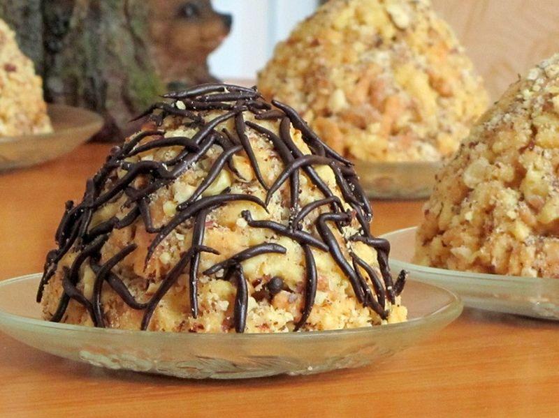 Торт без выпечки из печенья и сгущенки — классический муравейник