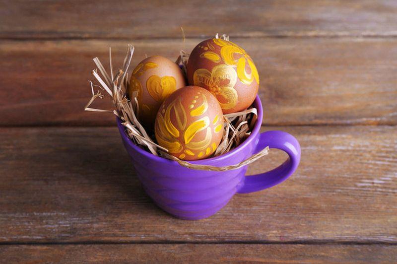 20 простых способов красиво покрасить яйца на Пасху
