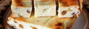 Творожная запеканка с манкой сможет напомнить вам о прекрасных детских временах. А творожная запеканка как в детском саду, вкус которой мы помним и в старшем возрасте, подпитывает это желание. Ведь творог и манка отлично сочетаются в этом блюде.