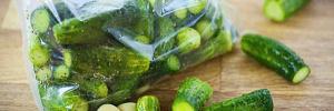Хрустящие малосольные огурцы в пакете: восхитительная холодная закуска за 3 часа