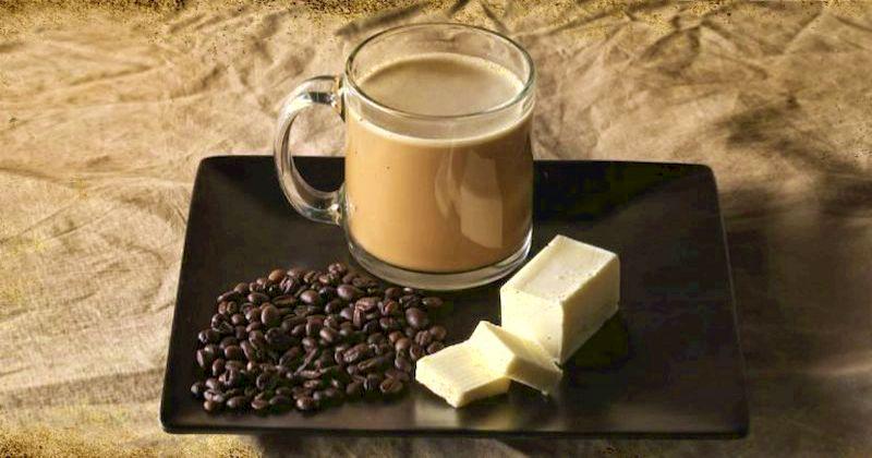 """Зачем люди пьют кофе с маслом: 5 невероятных целительных свойств """"бронебойного кофе"""""""