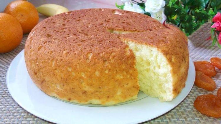 Пористый пирог из творога в мультиварке: вкусное лакомство без вреда фигуре
