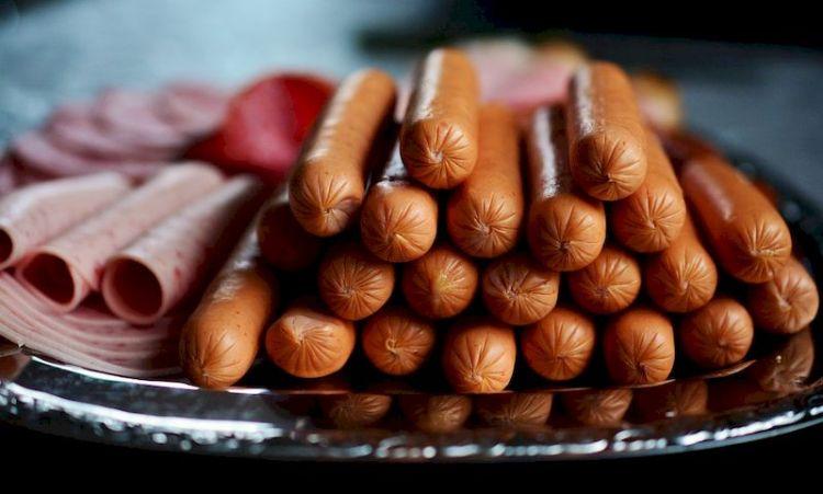 Колбаса без мяса, спреды и псевдошоколад: как не обмануть себя в гастрономе