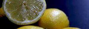 Когда витамин С не панацея: 8 побочных эффектов от лимонов и лимонного сока