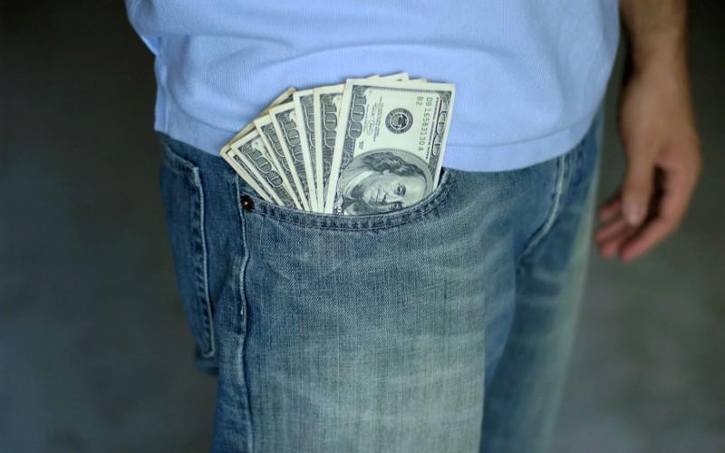 Что мешает стать богаче: 10 причин, почему деньги к вам не липнут