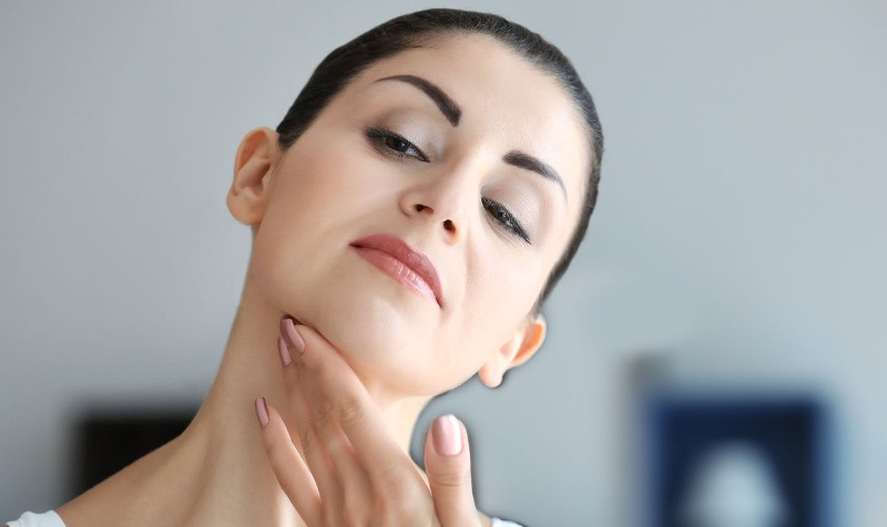 Как подтянуть щеки без боли и операций