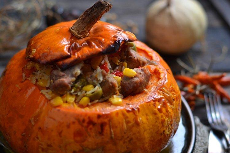 Сочная свинина в тыкве: экзотическое блюдо №1 родом из Мексики