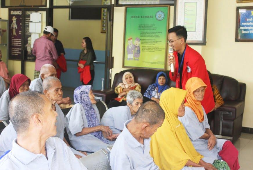 Headline Jakarta | Calon Apoteker Mahasiswa Universitas 17 Agustus 1945 Berikan Penyuluhan Pentingnya DAGUSIBU