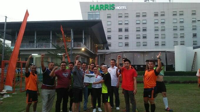 Ragam Bogor | Pererat Kemitraan, PWI Kota Bogor Tanding Futsal Bersama Mangement Harris Hotel
