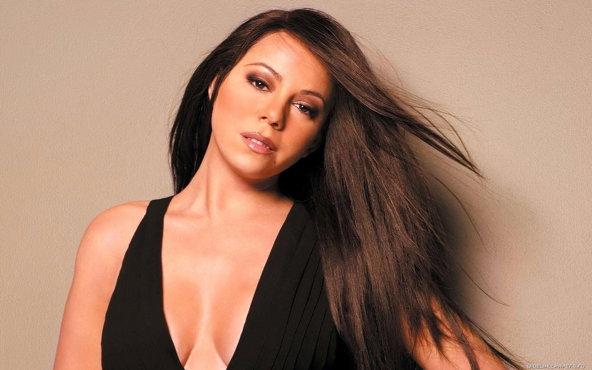 Mariah Carey Biography Along With Net Worth  Top Ten 2015