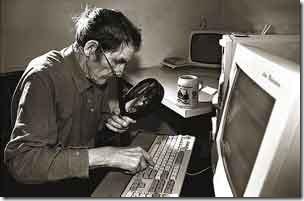 old_man_typing