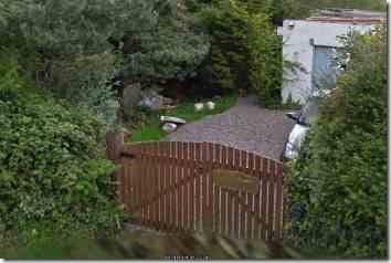 head Rambles Manor gate