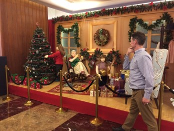 This is one of my favorite pictures from Mumbai. A mannequin diorama of what Christmas is like in the US.