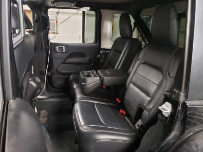 2018 Jeep Wrangler JL 4 Door Rear 40/60 with Arm Seat Covers
