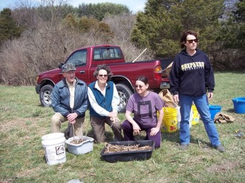Jerry, Chris, Kate, and Sue ready to plant milkweed!