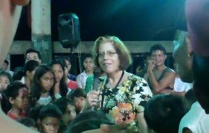 Traci speaking in Tacloban, Philippines Crusade Mission trip - International Mission Trip