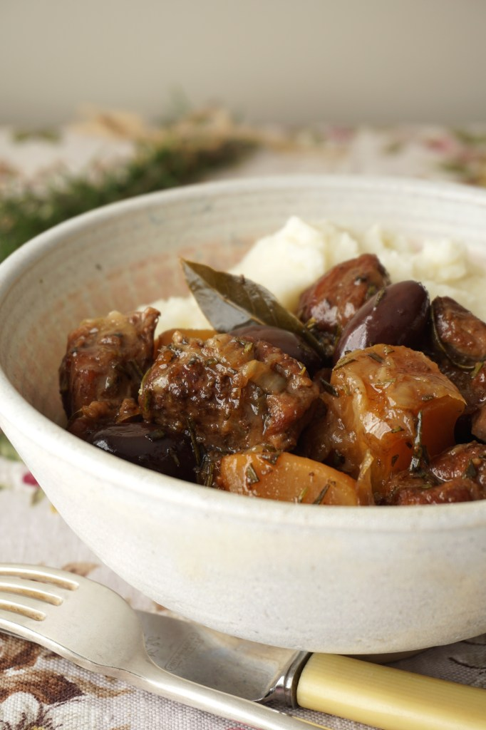 lamb stew with black olives and rosemary - {AIP}