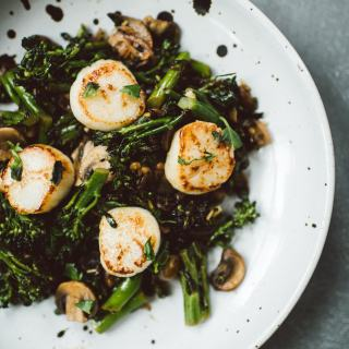 The Nutrient-Dense Kitchen: Q&A with Mickey Trescott and Broccolini Scallops