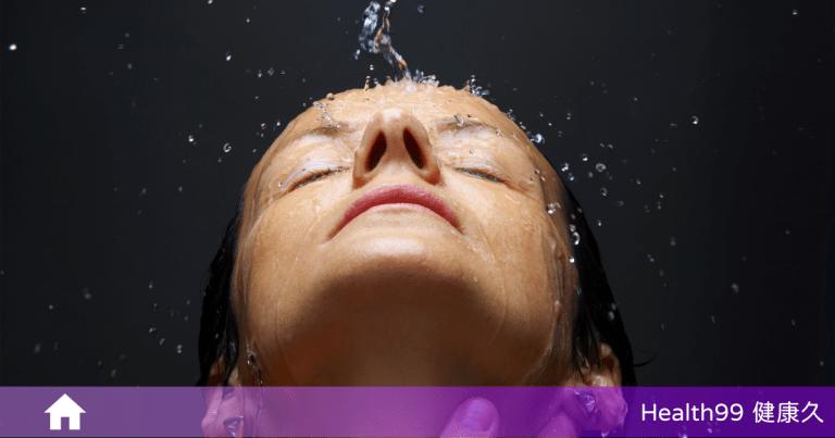 洗澡時為什麼不可以順便一起洗臉?專家表示:「沒有科學根據,重點是怎麼洗!」